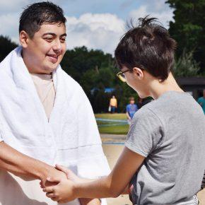 Op zondag 10 juni organiseerde de kerk Het Huis Van God een doop...