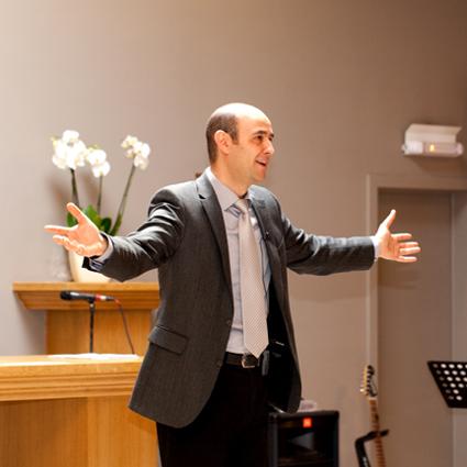 Первое богослужение в новом церковном доме