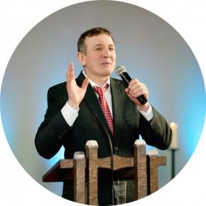 «Բարի Լուր» եկեղեցու հովիվ Դմիտրի Պասիչնիկը Կորտրեյկում